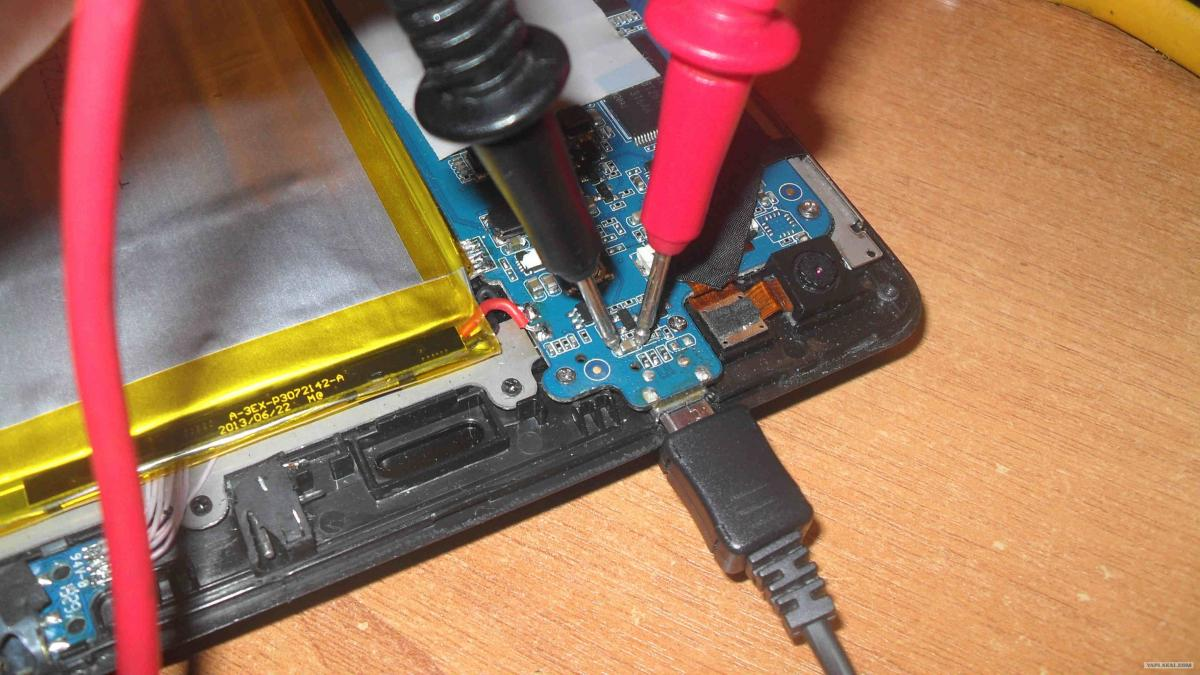 как зарядить телефон без гнезда зарядки работы